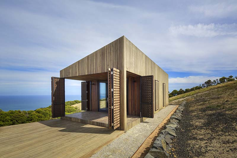Moonlight Cabin / Jackson Clements Burrows Architects