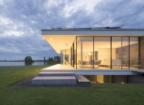 G-House / Lab32 architects