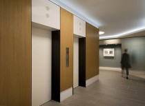 Hyde Park Condominiums - Lobby Renovation / EL STUDIO