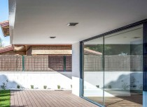 UVB House / Hector Torres Mateo