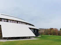 Carnal Hall at Le Rosey / Bernard Tschumi Architects