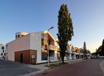 Housing and health care complex Eltheto / 2by4 architects