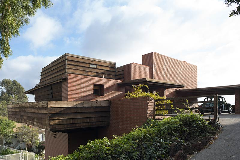 Frank Lloyd Wright's George Sturges House to be auctioned