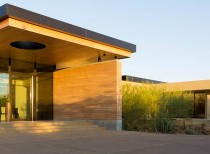 Desert Arroyo Residence / Kendle Design Collaborative