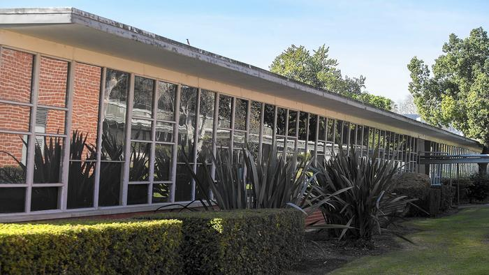 Orange Coast College plan to demolish Neutra's buildings