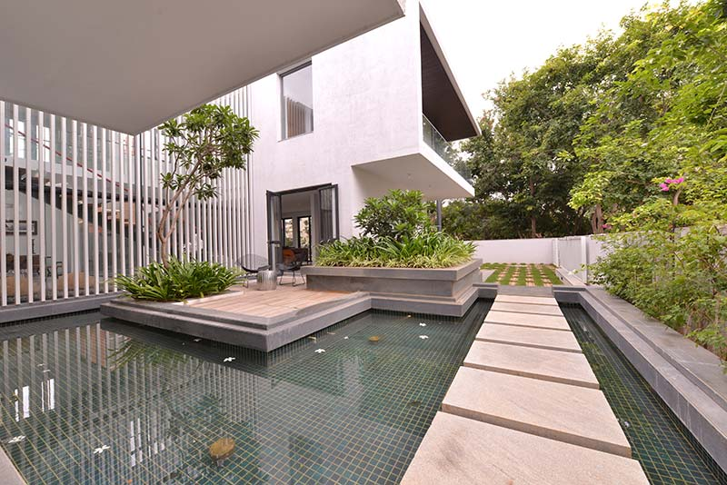 Courtyard Home Designs courtyard house / abin design studio - architecture lab