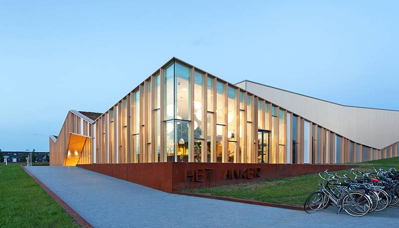 Het anker community centre in zwolle the netherlands for Multi purpose building plans