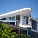 Beach House on Stilts / Luigi Rosselli Architects