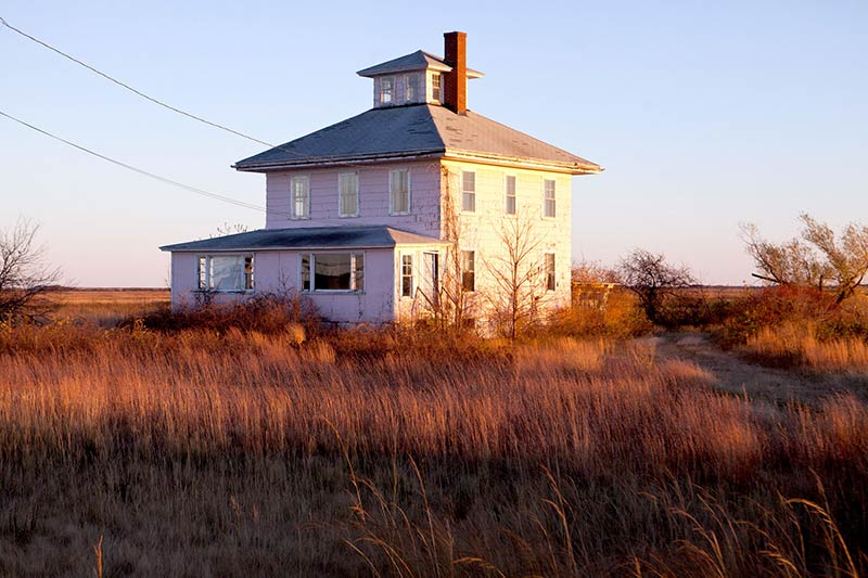 Plum Islands Pink House Inspires A Real Estate Fantasy