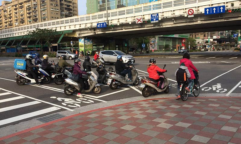 Return of the Bicycle Kingdom? How pavement cycling is transforming Taipei