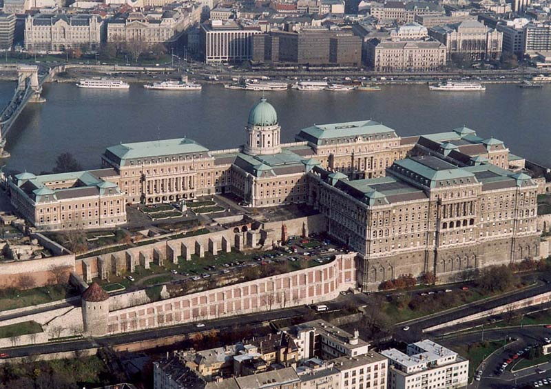 Hungarian Leader's 'Edifice Complex' Has Some in Budapest Rattled