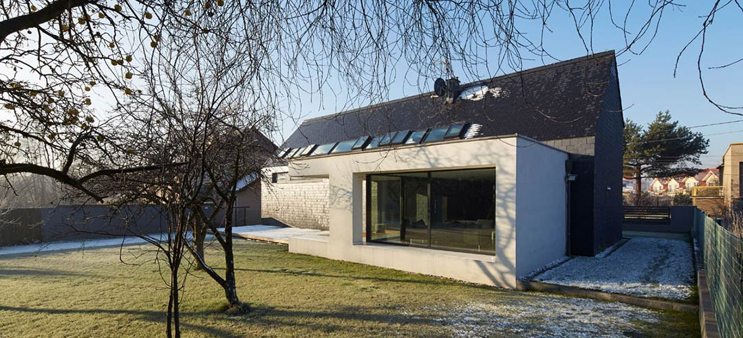 House in Slate / RS+ Robert Skitek