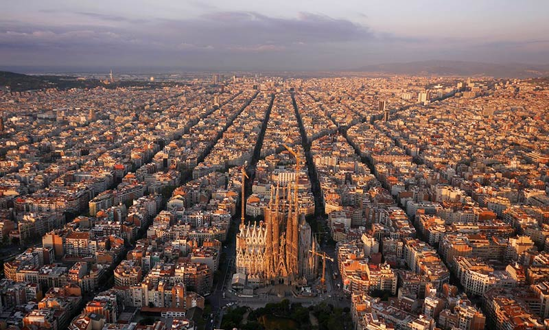 Barcelona's unloved planner invents science of 'urbanisation'