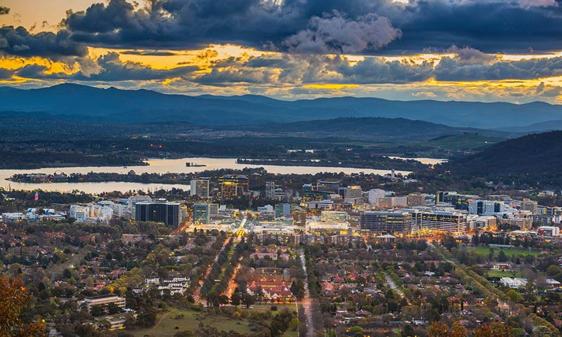 Canberra's vision of the ideal city gets mired in 'mediocrity'