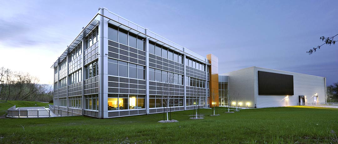 Headquarters of Schlüter Systems Inc. / DCYSA Architecture & Design