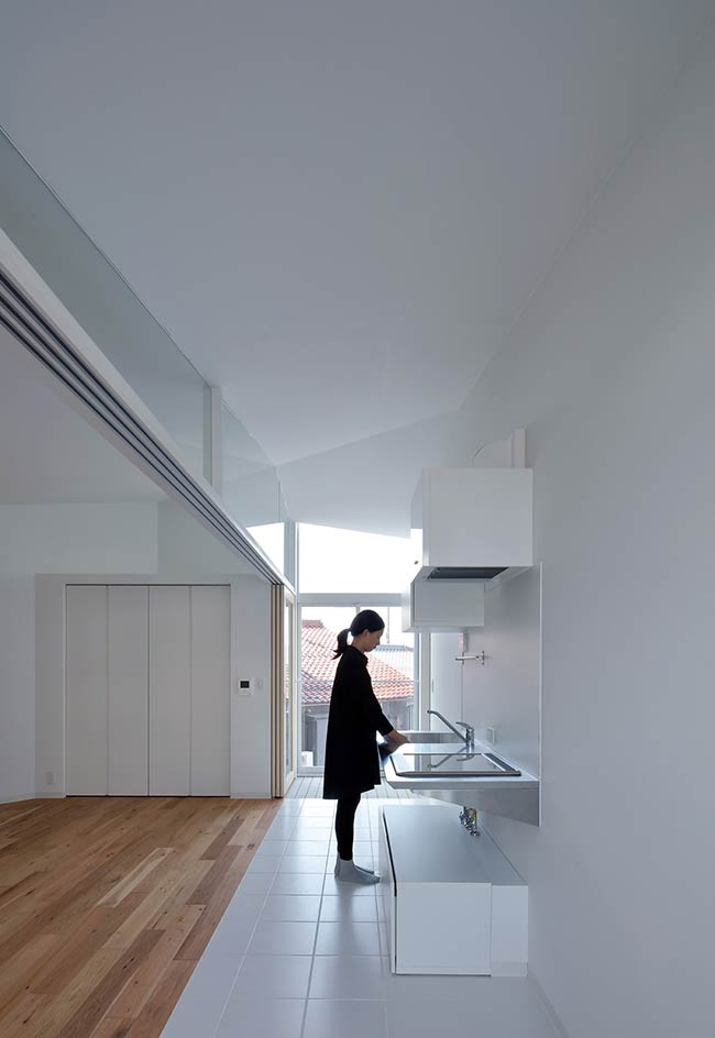 Hikone Studio Apartments / Alphaville Architects