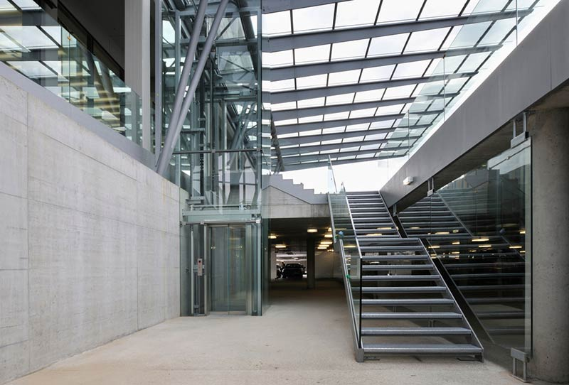 Financial and commercial department of Voestalpine Stahl GmbH / Dietmar Feichtinger Architectes
