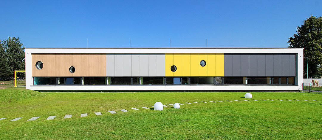 Yellow Elephant Kindergarten and nursery / xystudio