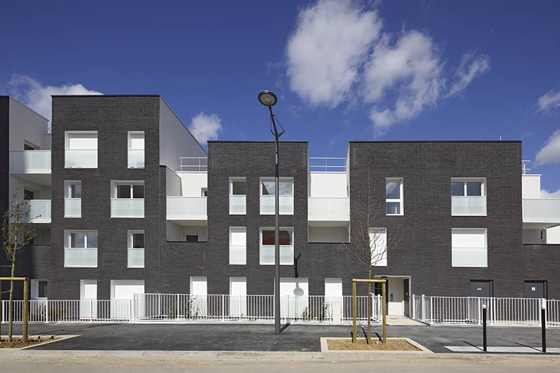 Bonneuil Rental Social Housing / NOMADE Architectes