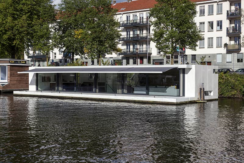 Watervilla Weesperzijde / +31ARCHITECTS