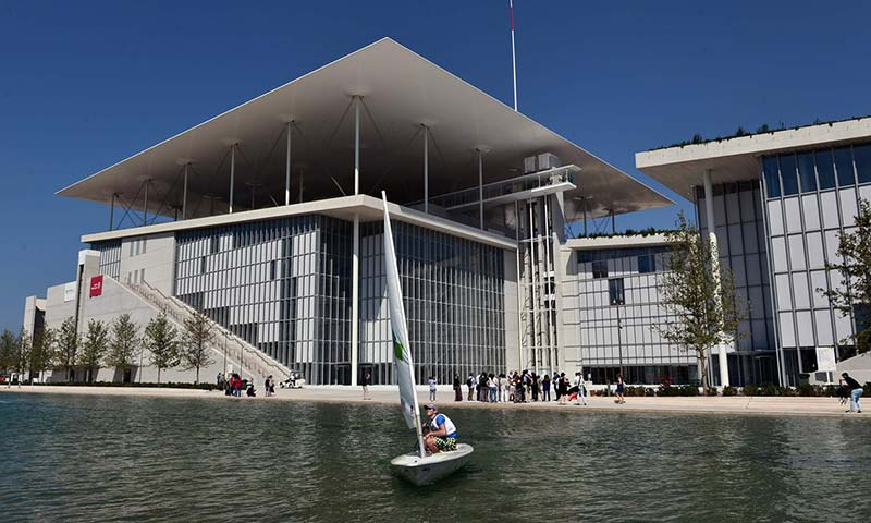 Does austerity Athens need Renzo Piano's €600m cultural Acropolis?