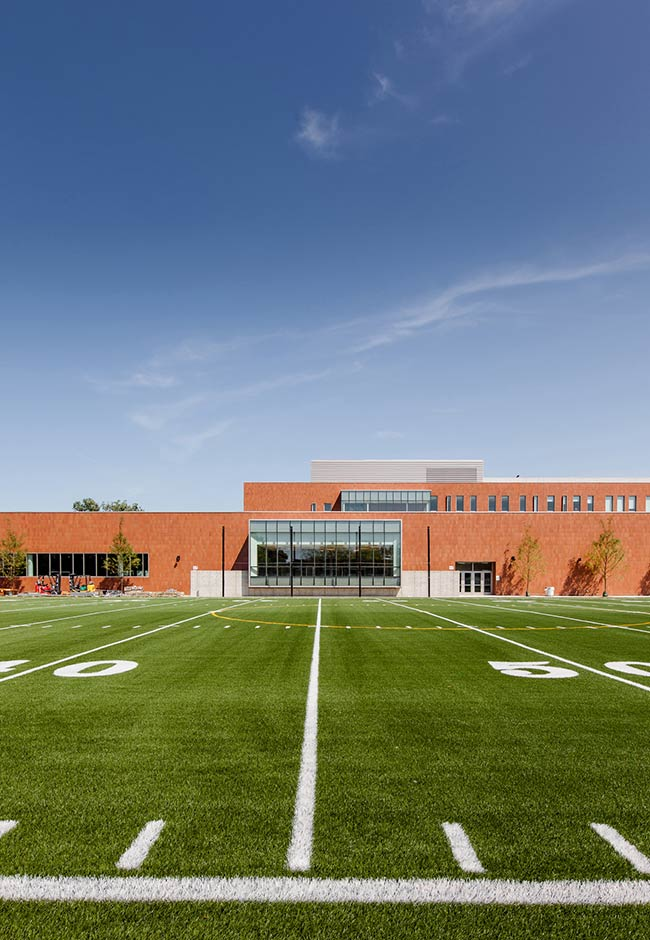Back of the Yards High School / STL Architects