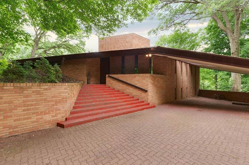 Frank Lloyd Wright House in Minneapolis goes on market for first time