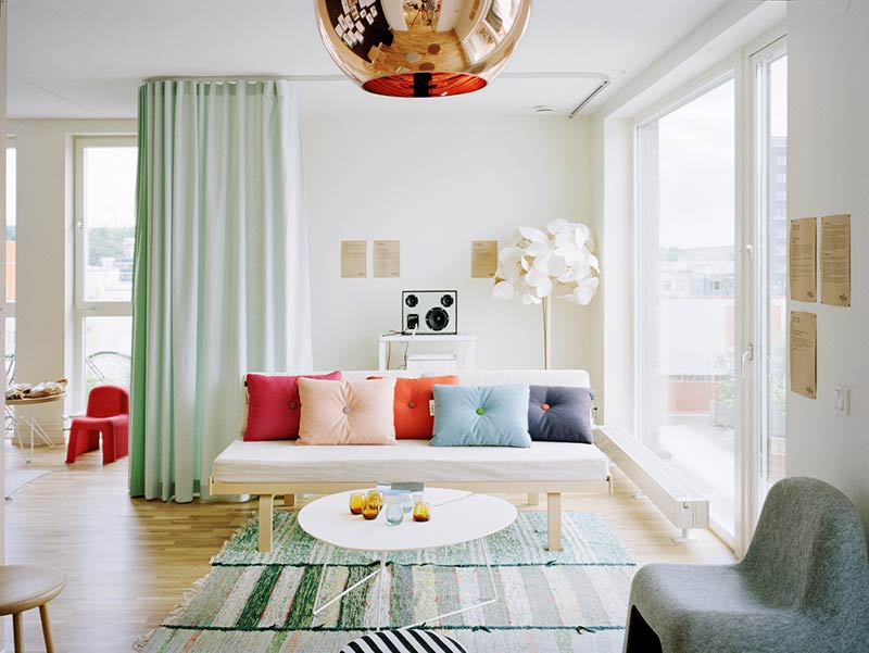 6 Budget-Friendly Ways to Decorate Your Home For Summer