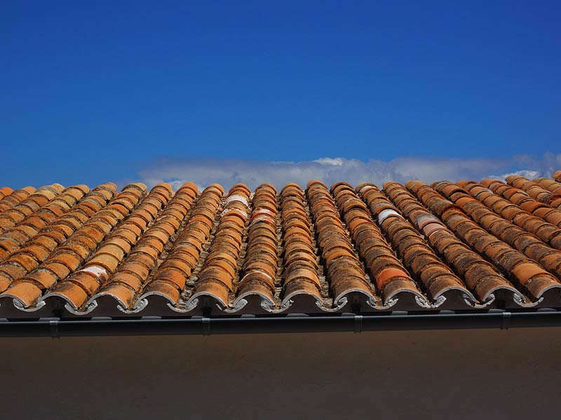 Things to Consider Before Performing Maintenance on a Flat Roof