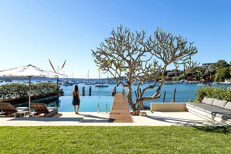 Waterfront Palazzo on Sydney Harbour / Luigi Rosselli Architects