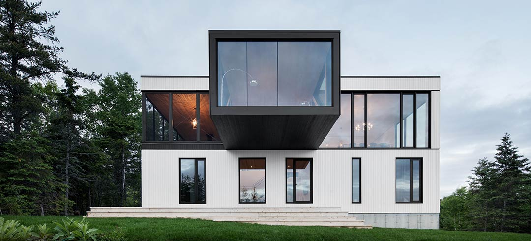 """The """"Blanche"""" Chalet / ACDF Architecture"""