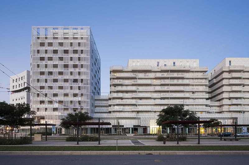 La Mantilla Complex / Jacques Ferrier architecture