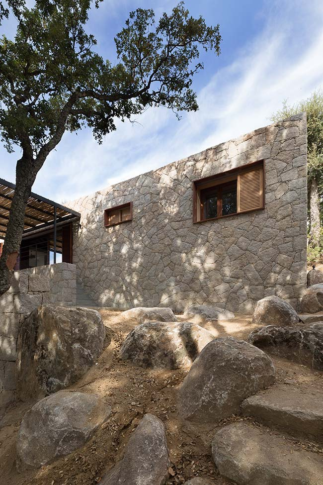 Contemporary Vernacular House / WY-TO