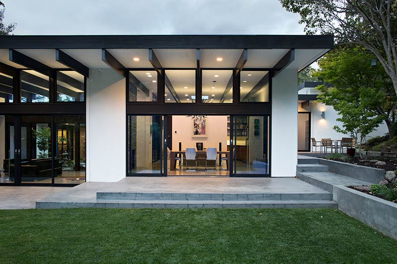 Modern atrium house klopf architecture architecture lab What is an atrium in a house