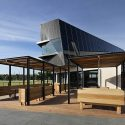 Glasshouse Community and Function Centre / Croxon Ramsay