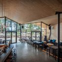 Boos Beach Club Restaurant / Metaform architects