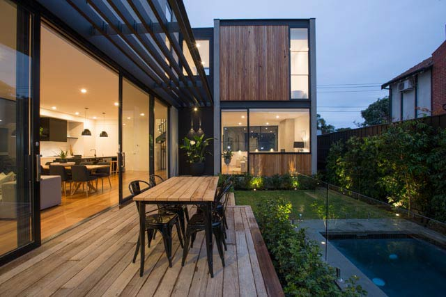 Outer Crescent House / Merrylees Architecture