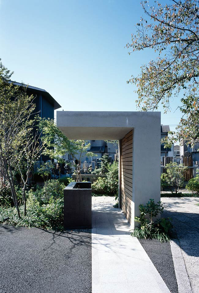 Hasshoden - Charnel house in Ryusenji Temple / Love Architecture