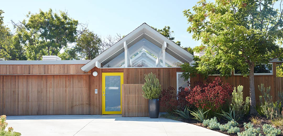 Mountain View Double Gable Eichler Remodel / Klopf Architecture