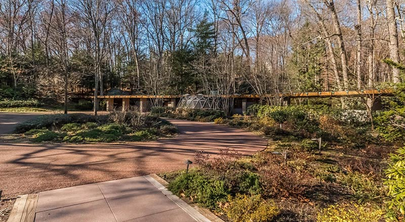 Frank Lloyd Wright's horseshoe-shaped 'Tirranna' home is for Sale