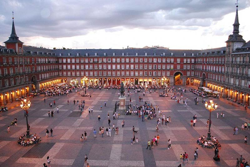 Madrid, Spain is banning cars from its crowded city center