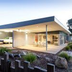 01 White Shack / mishack