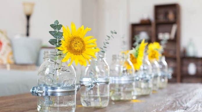 Five Mason Jar Centerpiece Ideas