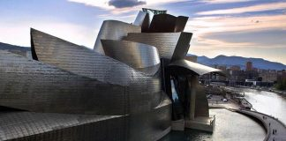 The Guggenheim Museum, Bilbao by Frank Gehry