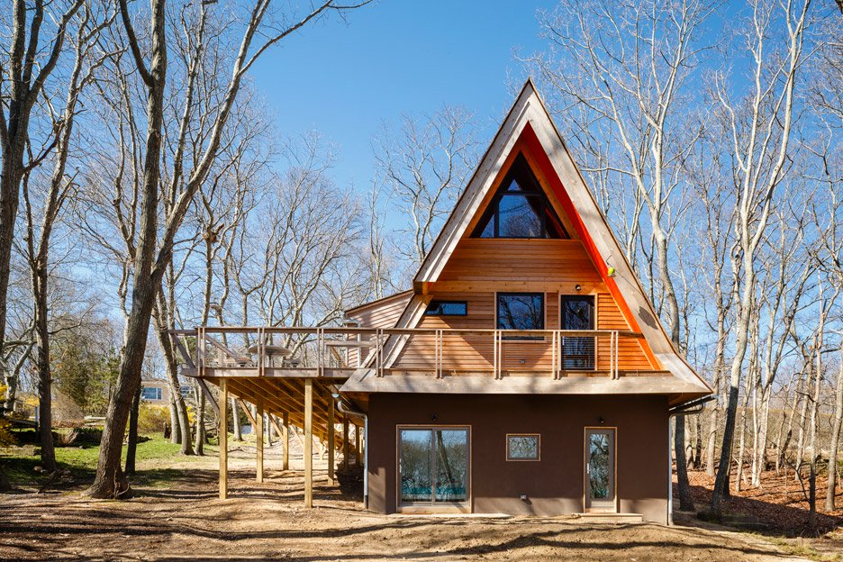 A-Frame House in The Hamptons Revamped by Edgar Papazian ...