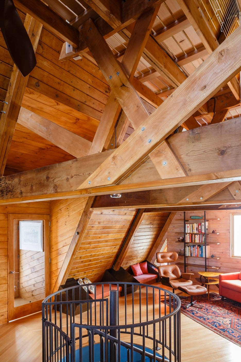 A-Frame House In The Hamptons Revamped By Edgar Papazian