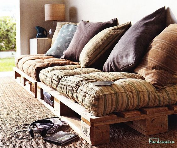 Comfortable Homemade Pallet Sofa