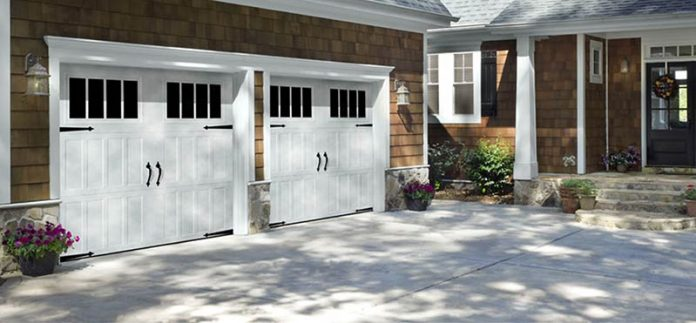 3 Tips for Fixing your Garage Doors Fast and Easy
