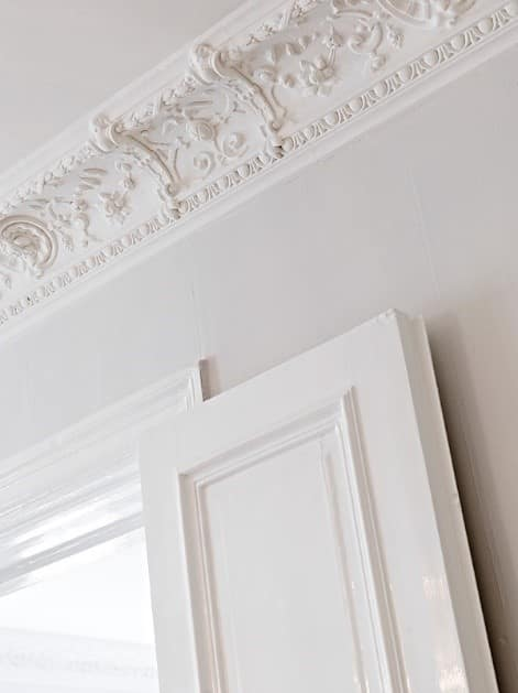 Ceiling moldings 1