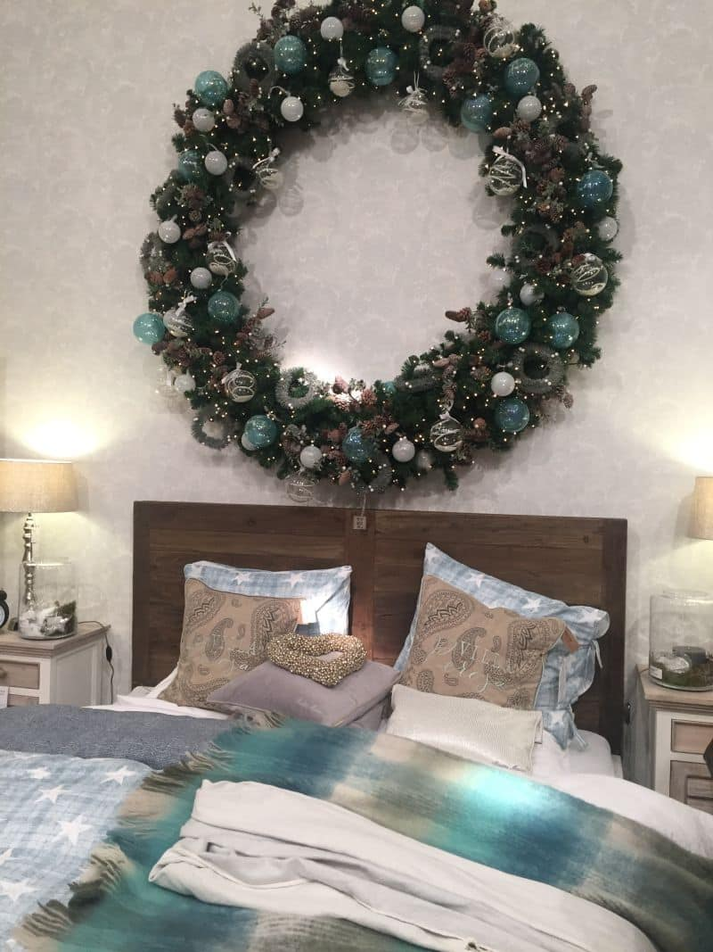 Light Teal Decorations